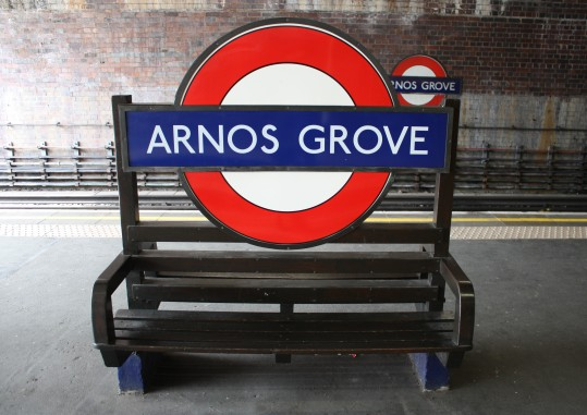 arnos-grove-station-platform-sign