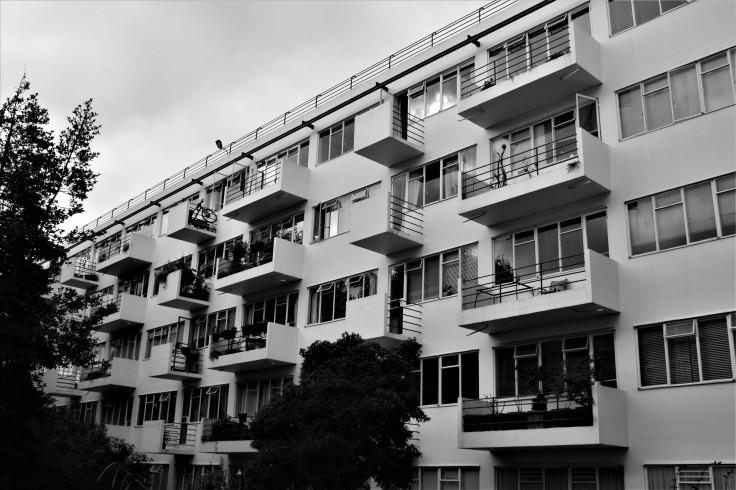 pullman-court-exterior-6
