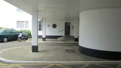 pullman-court-lobby-exterior