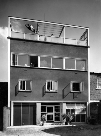 studio-house-bw